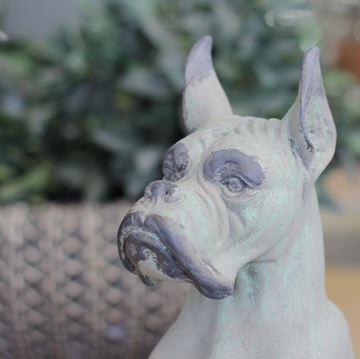 Resim Dekoratif Köpek Heykeli