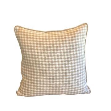 Resim Desenli Çift Taraflı Kare Yastık 50x50 cm